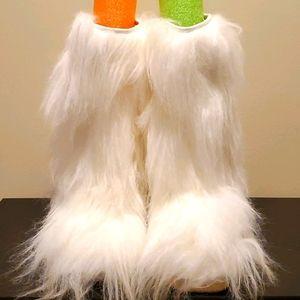 Colin Stuart White Fuzzy boots